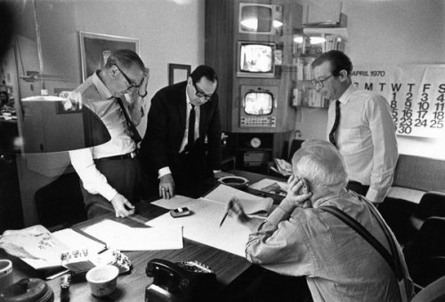Sandy Socolow, second from left, with Walter Cronkite, left, in 1970. The two later worked together on coverage of the Watergate scandal.  Credit Dan J. McCoy, Walter Cronkite Papers, UT Austin's Briscoe Center for American History